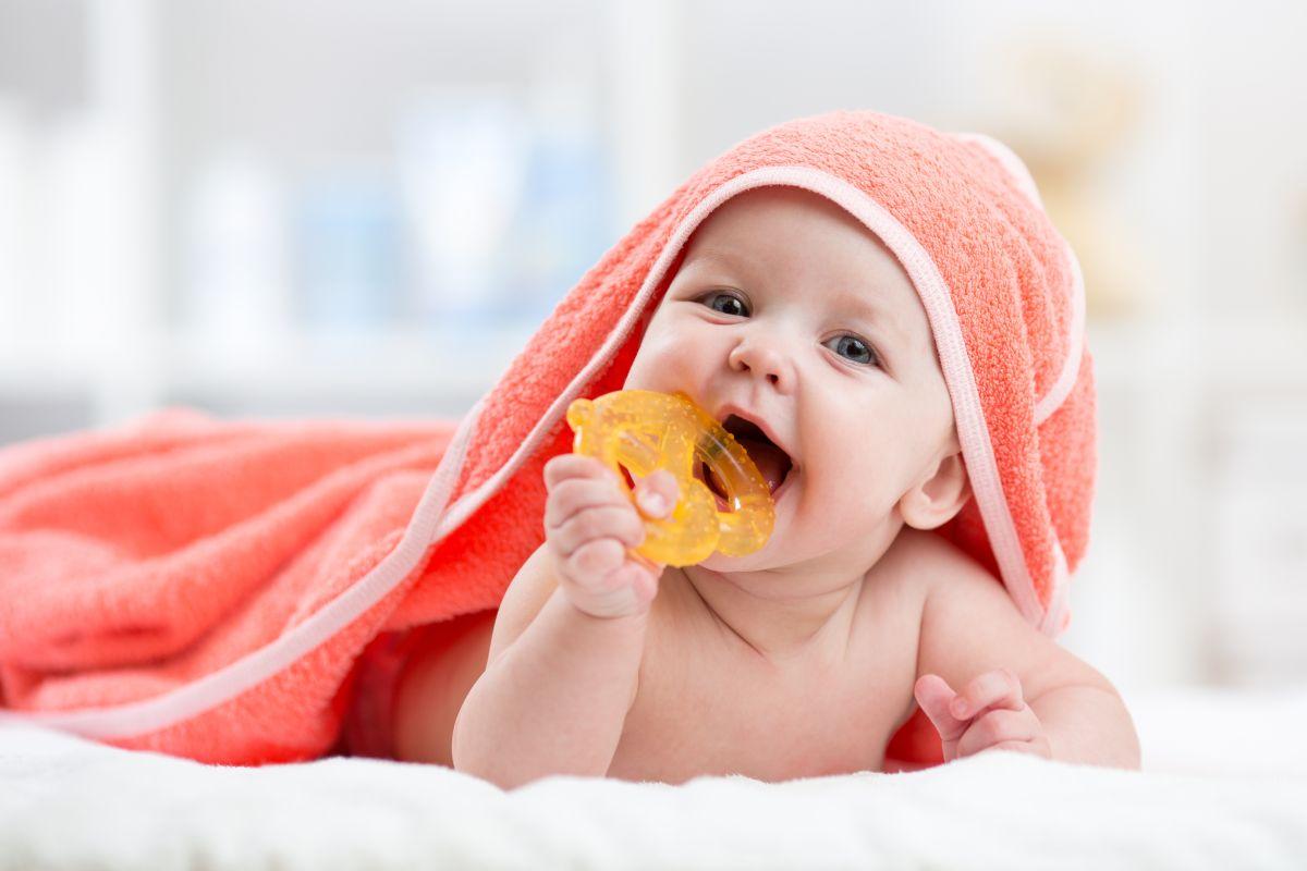 Ząbkowanie – objawy i jak pomóc maluszkowi?